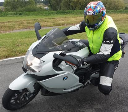 Motorcycle lessons CBT, Direct Access, Advanced cornering in Leicester, Hinckley, Derby, Nottingham, Birmingham, St Albans, Lincoln, St Neots, Camberley, Epsom, Kensington, Chelsea, Dagenham, Canvey Island, Chichester, Cirencester, Bristol, Bath, Cheltenham, Kettering, Kidderminster, Stevenage, St Albans, Cardiff, Leeds, Manchester, Warwick, Chester, Glasgow