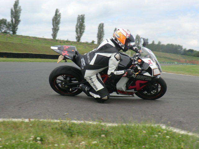 Knee down course at Mallory Park